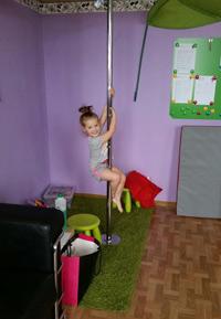 Kinderbetreuung Poledance